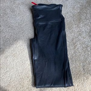 🌟Spanx black faux leather legging size Small